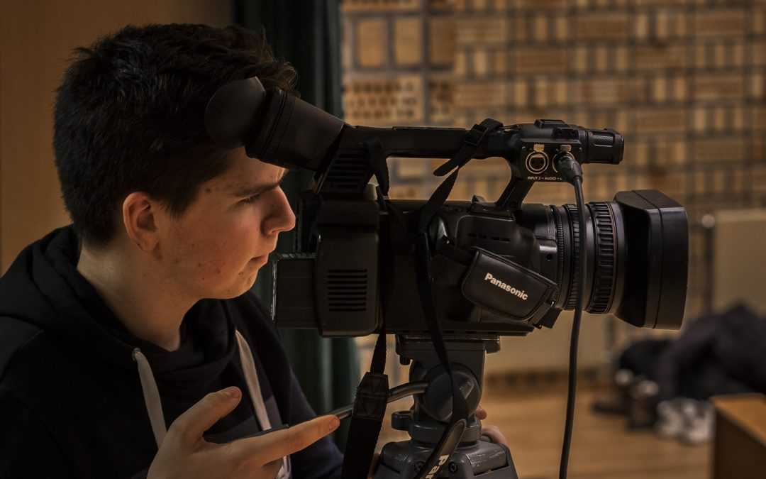 Frå  Filmentusiast  til  Dokumentarfilmskapar